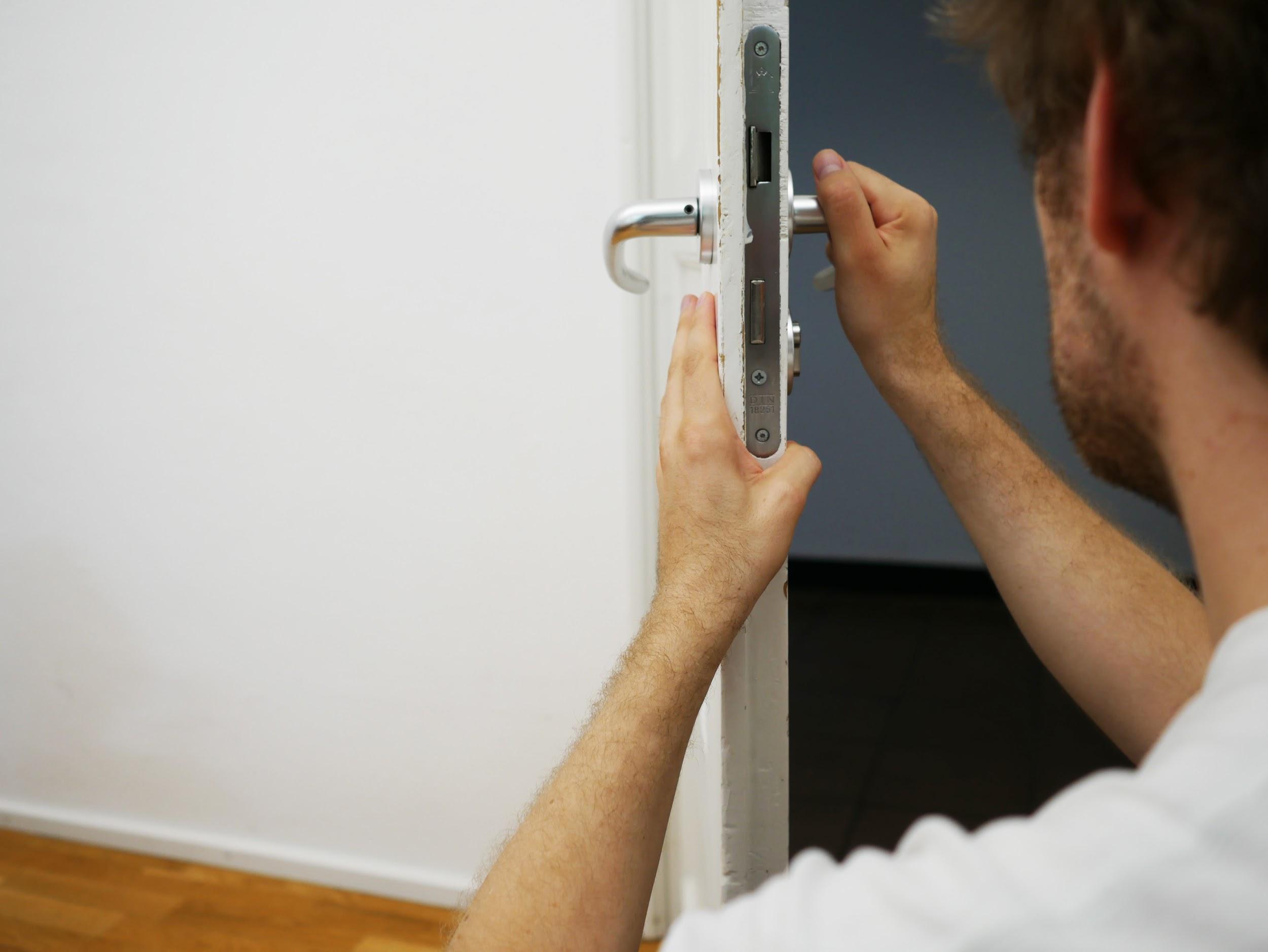 protection porte maison sécurité